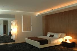 Cas d\'usage : éclairage de corniche pour une chambre d\'hôtel